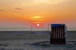 St.Peter-Ording-Strandkorb-Sonnenuntergang